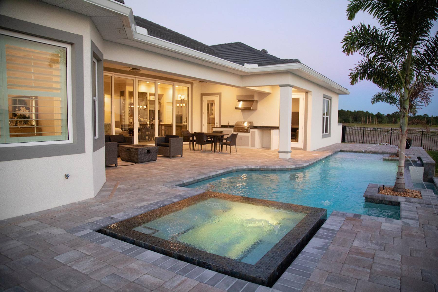 Bella Vue Pool